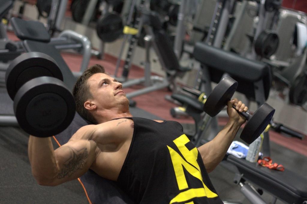 Alternativ zum Fitnessstudio kann man auch mit der Sportuhr trainieren.